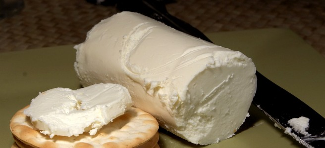 Goat cheese on crackers
